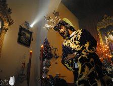 La inmediata retirada del culto del Señor de los Pasos